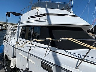 1989 Carver boat for sale, model of the boat is 32 & Image # 16 of 40