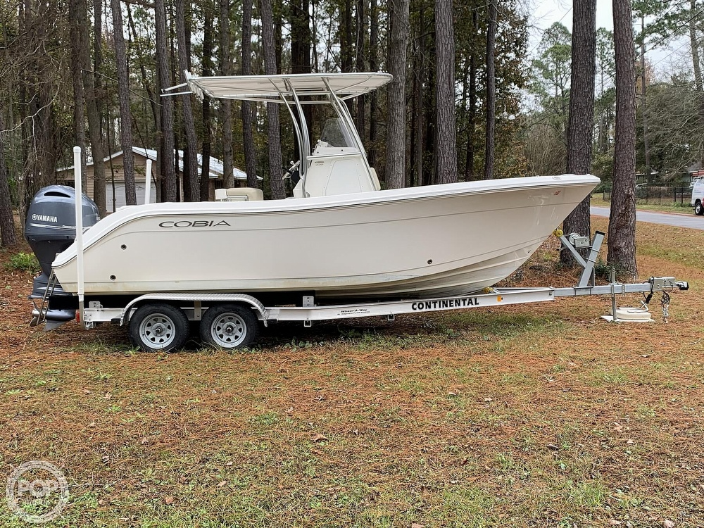 2017 Cobia boat for sale, model of the boat is 220CC & Image # 7 of 40