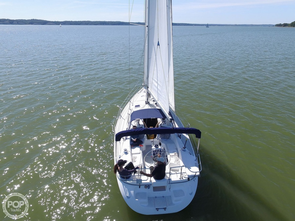 2007 Catalina Yachts boat for sale, model of the boat is 320 Mk II & Image # 2 of 40