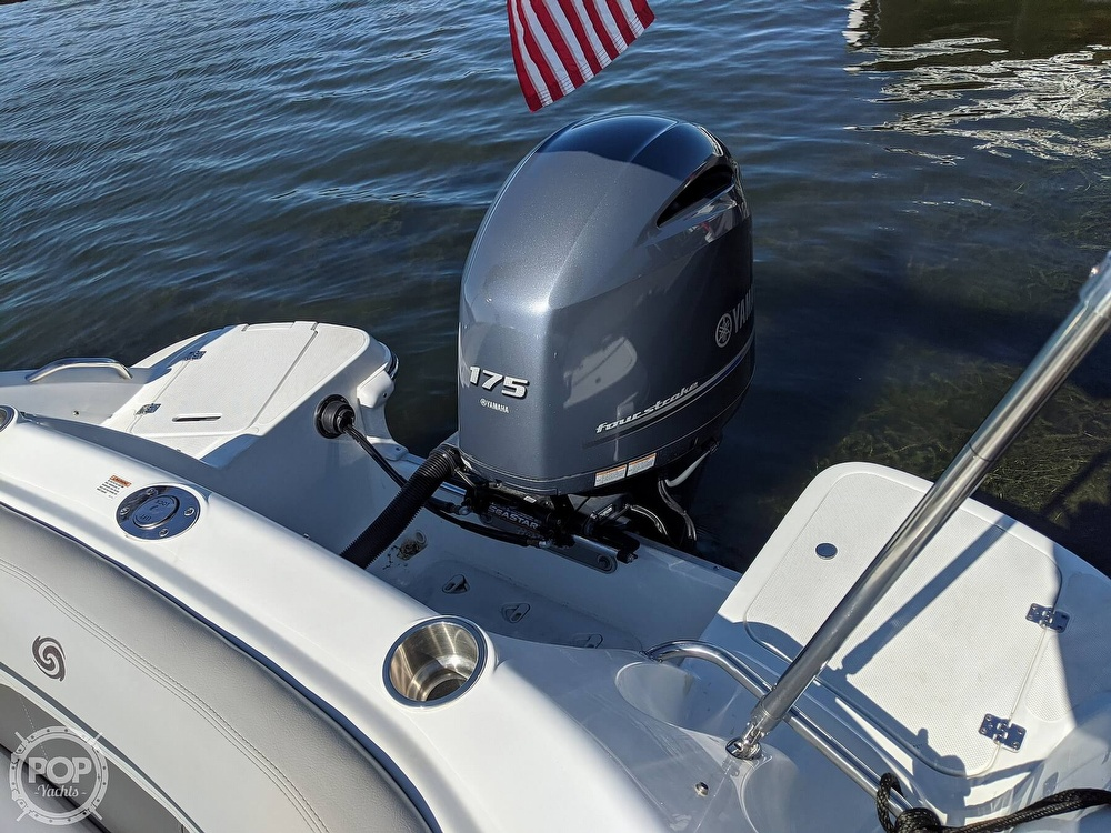2019 Hurricane boat for sale, model of the boat is 2200 Sundeck & Image # 29 of 40