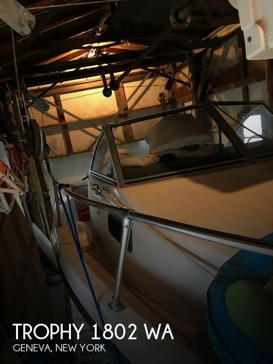 Used Ski Boats For Sale in Binghamton, New York by owner | 2000 Trophy 1802 WA
