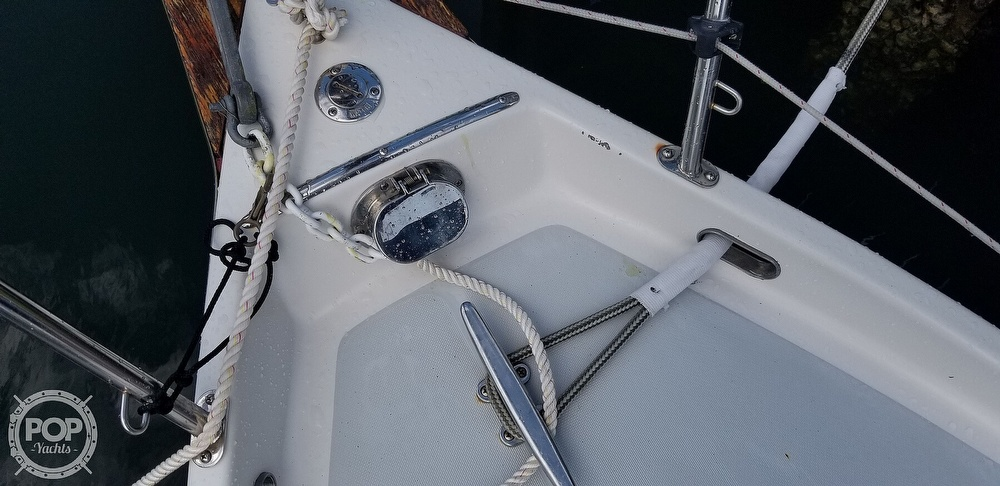 1999 Hake Yachts boat for sale, model of the boat is Seaward & Image # 40 of 40