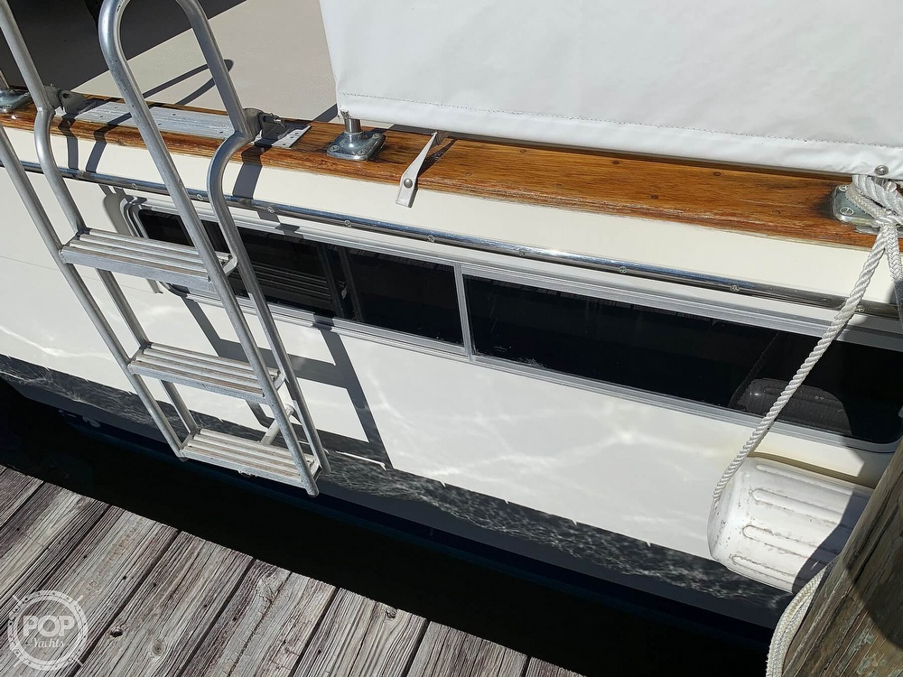 1973 Chris Craft boat for sale, model of the boat is 401 Commander & Image # 26 of 40