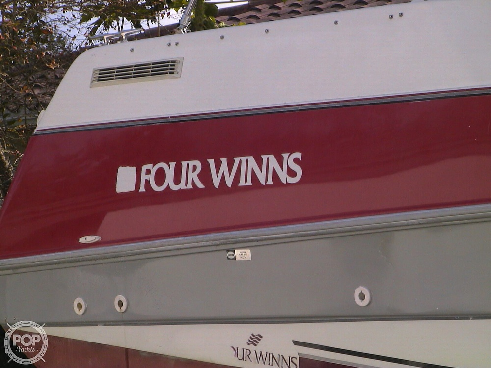 1991 Four Winns boat for sale, model of the boat is 265 Vista & Image # 9 of 40