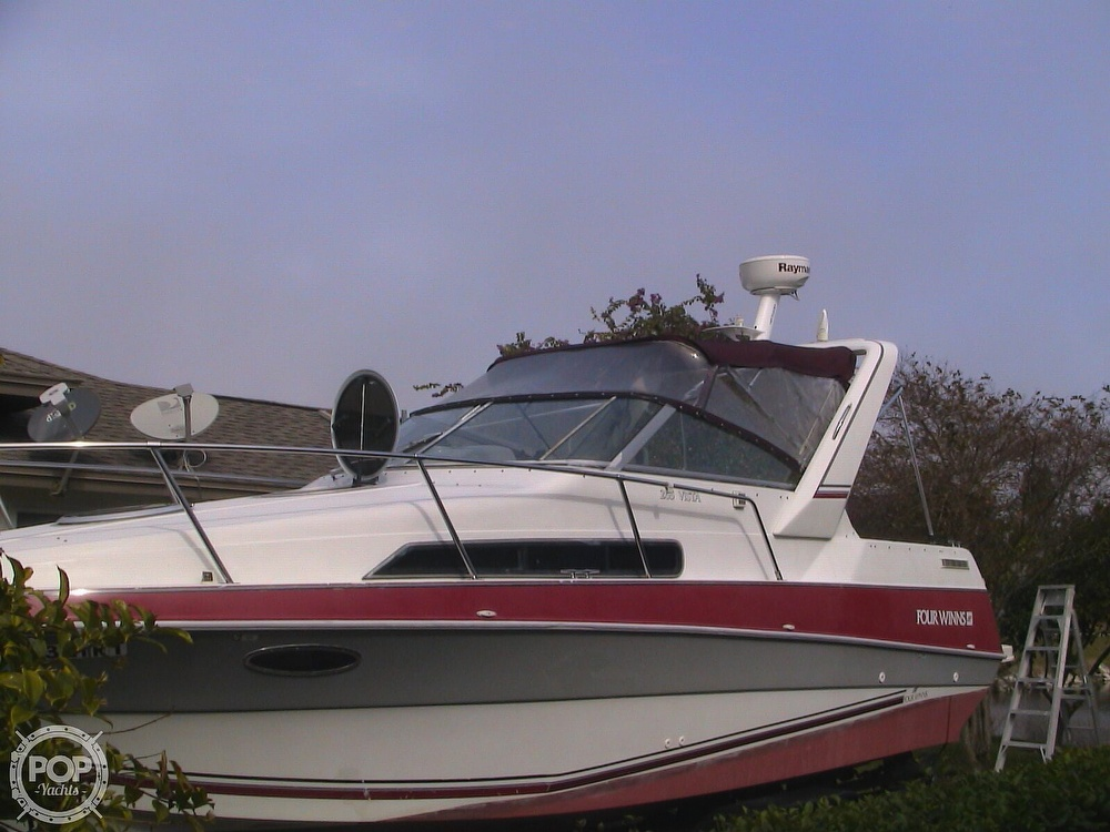 1991 Four Winns boat for sale, model of the boat is 265 Vista & Image # 2 of 40