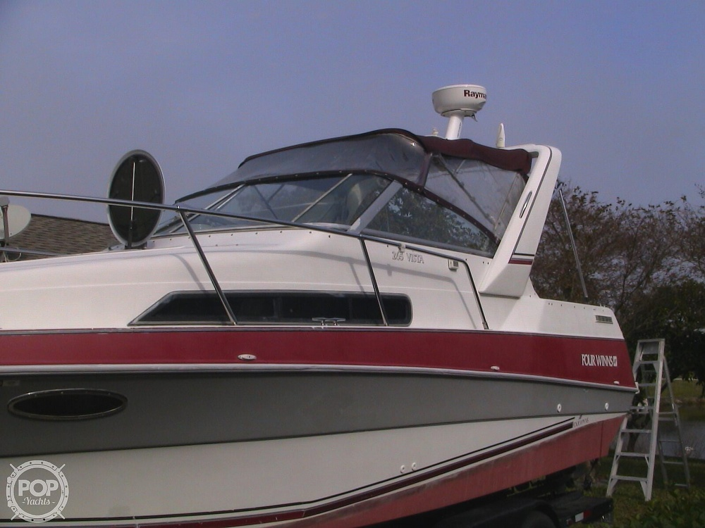 1991 Four Winns boat for sale, model of the boat is 265 Vista & Image # 17 of 40