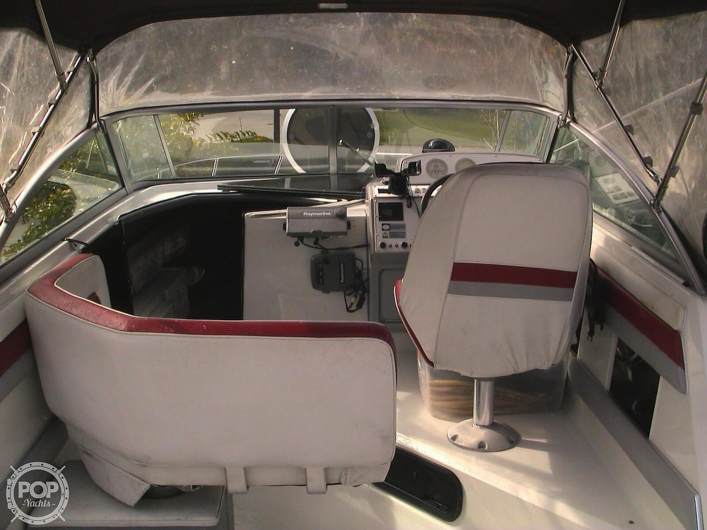 1991 Four Winns boat for sale, model of the boat is 265 Vista & Image # 31 of 40