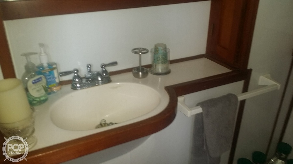 1980 Marine Trader boat for sale, model of the boat is 34 DC & Image # 38 of 40