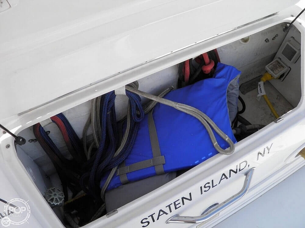 1999 Sea Ray boat for sale, model of the boat is 310 Sundancer & Image # 29 of 40