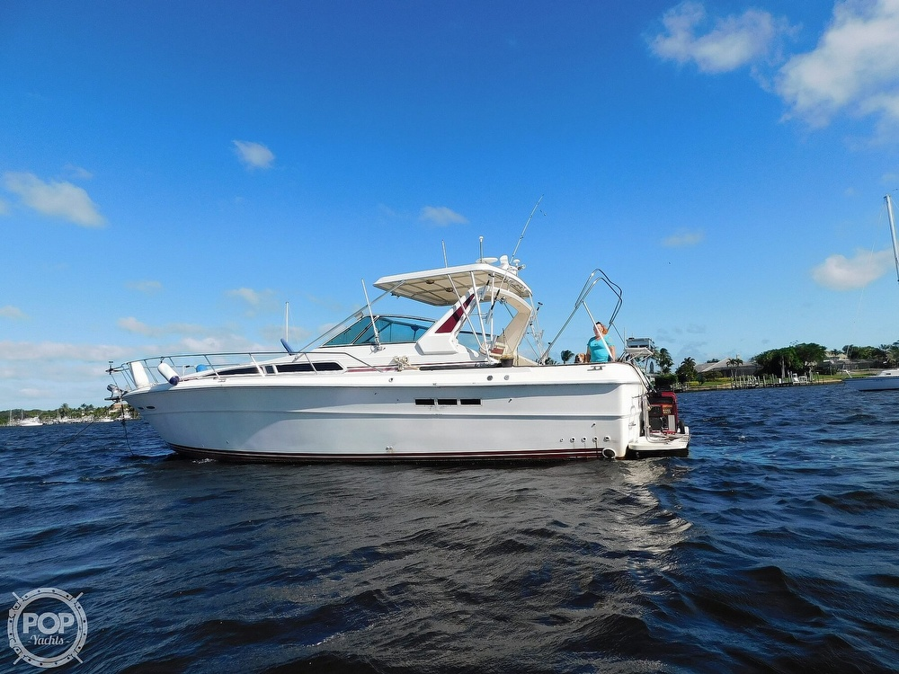 1985 Sea Ray boat for sale, model of the boat is 390 Express Cruiser & Image # 10 of 40