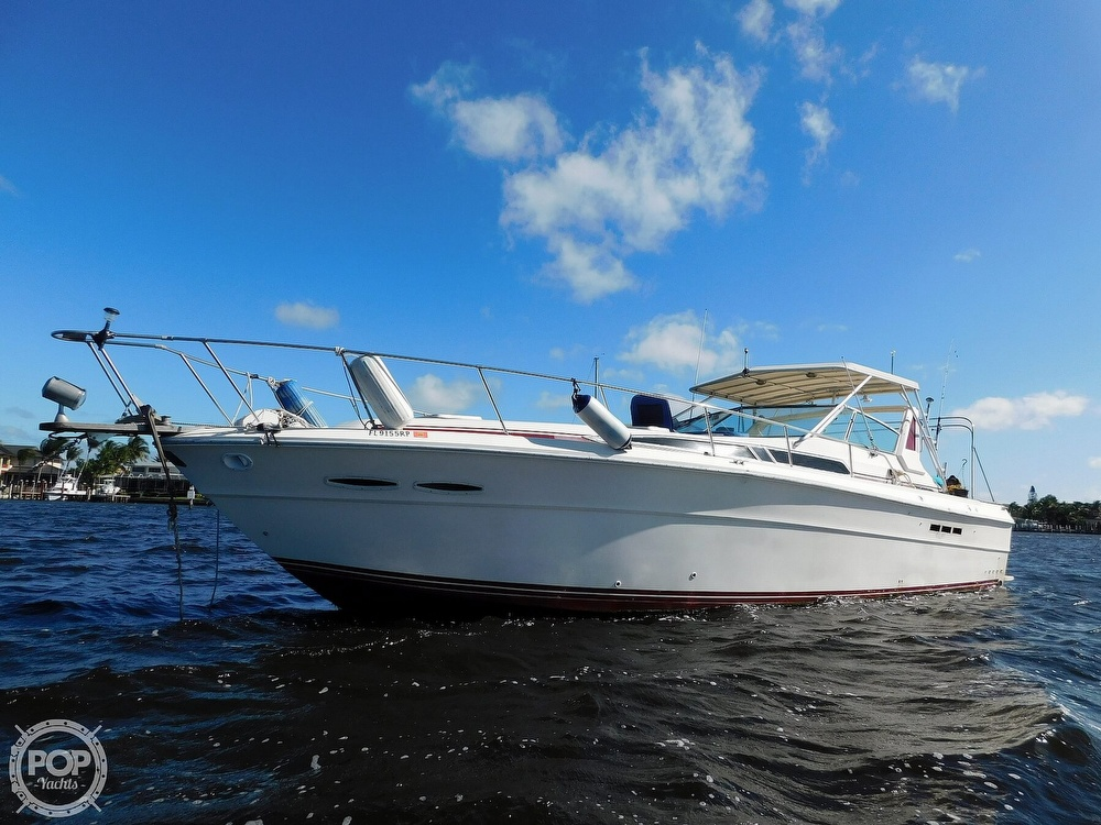 1985 Sea Ray boat for sale, model of the boat is 390 Express Cruiser & Image # 13 of 40