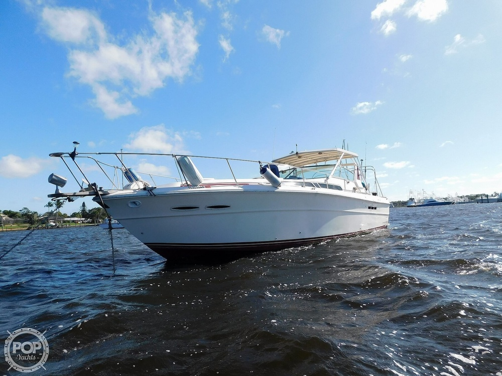 1985 Sea Ray boat for sale, model of the boat is 390 Express Cruiser & Image # 14 of 40