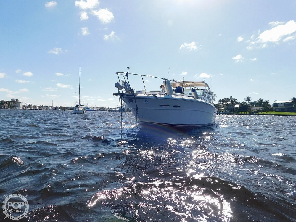 1985 Sea Ray boat for sale, model of the boat is 390 Express Cruiser & Image # 16 of 40