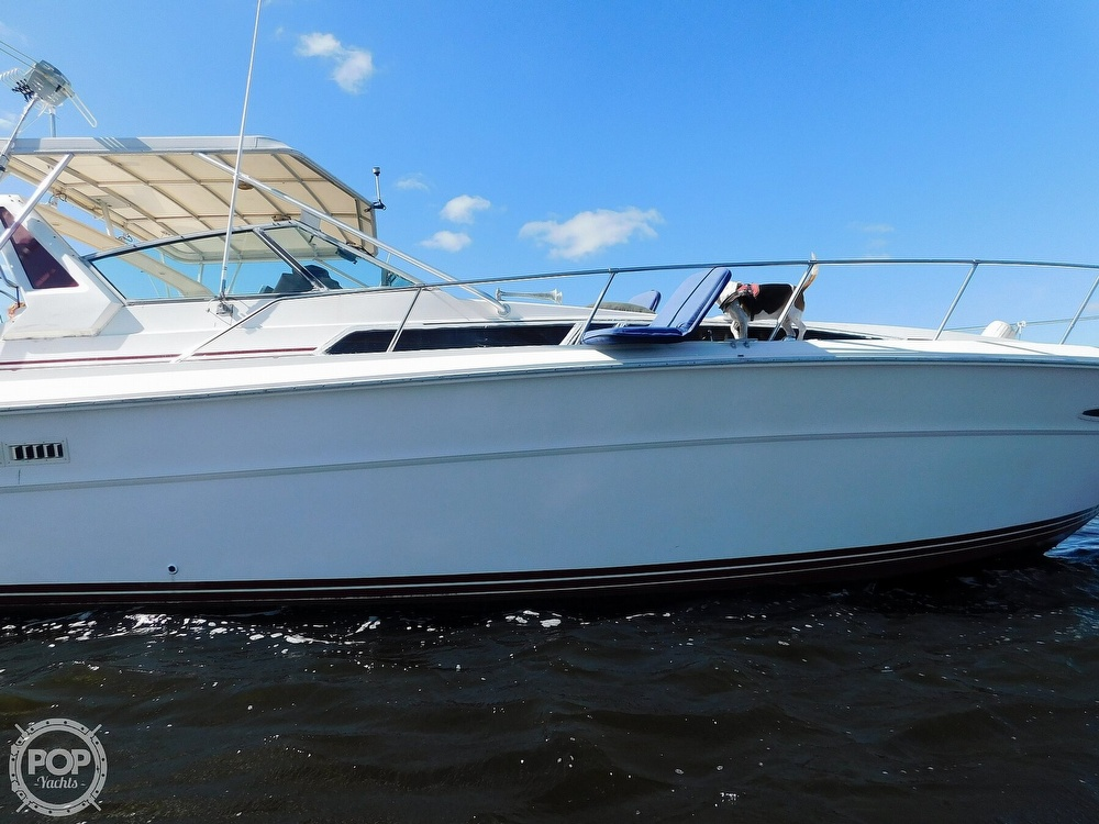 1985 Sea Ray boat for sale, model of the boat is 390 Express Cruiser & Image # 20 of 40