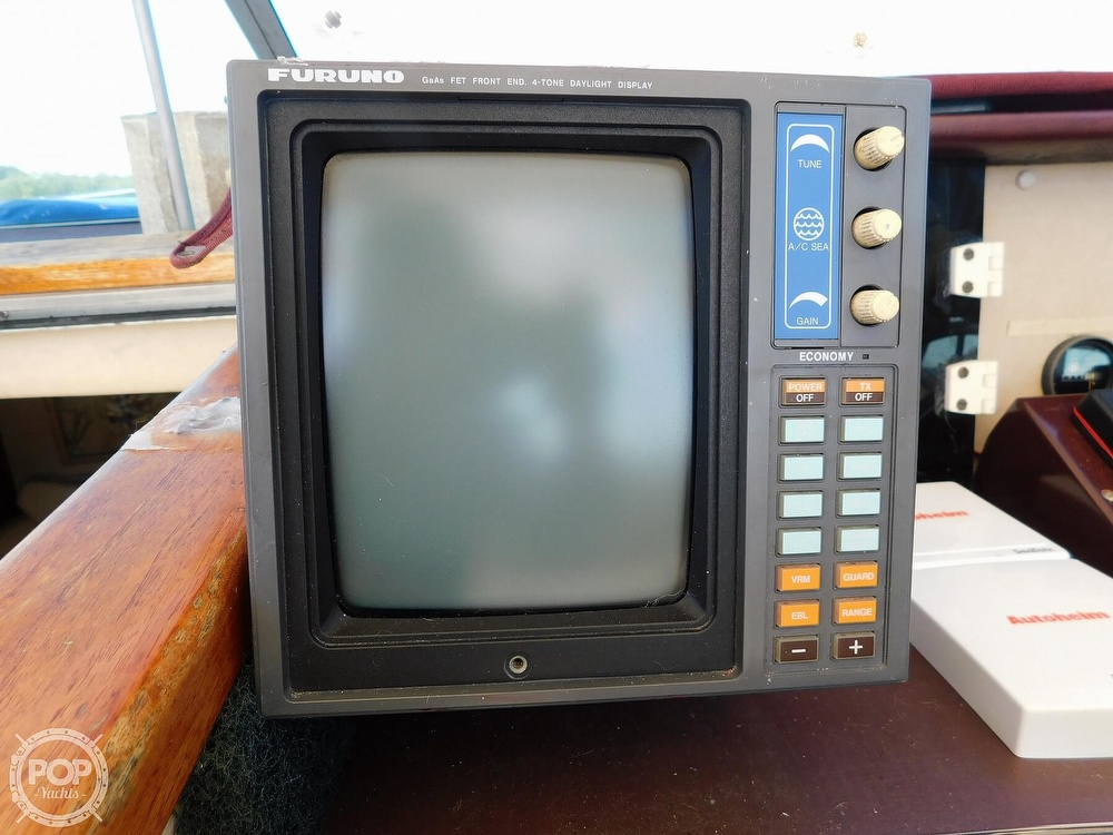 1985 Sea Ray boat for sale, model of the boat is 390 Express Cruiser & Image # 29 of 40