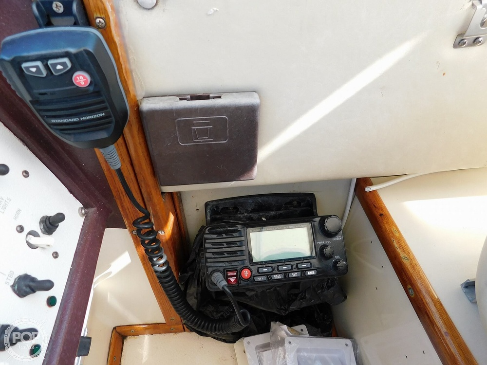 1985 Sea Ray boat for sale, model of the boat is 390 Express Cruiser & Image # 35 of 40