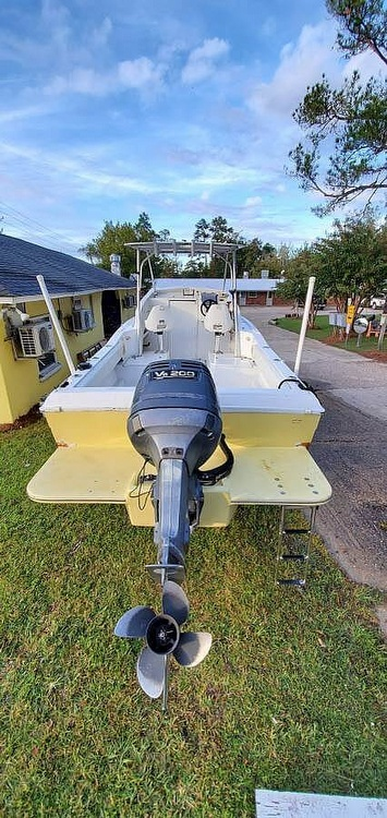 1981 Grady-White boat for sale, model of the boat is 22 & Image # 2 of 6