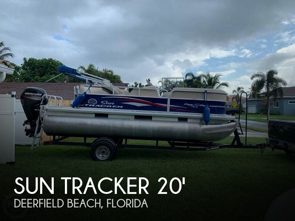 Used Sun Tracker Pontoon Boats For Sale in Florida by owner | 2017 Sun Tracker PARTY BARGE 18DLX