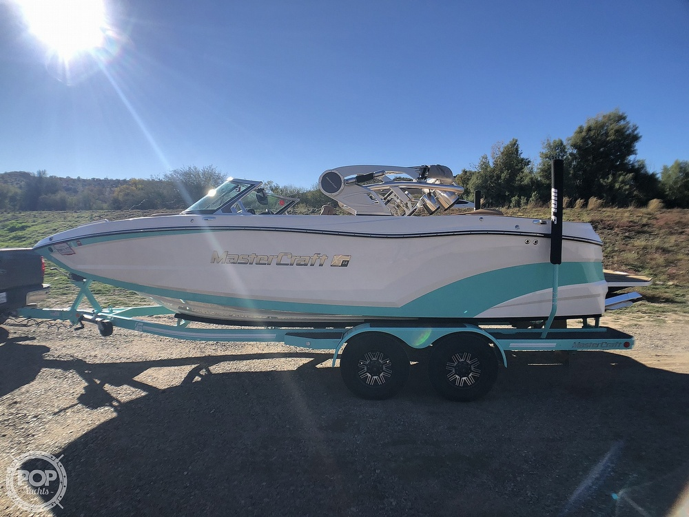 2019 Mastercraft boat for sale, model of the boat is XT22 & Image # 2 of 40
