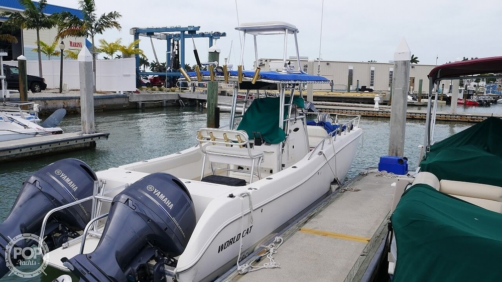2001 World Cat boat for sale, model of the boat is 266CC & Image # 2 of 40