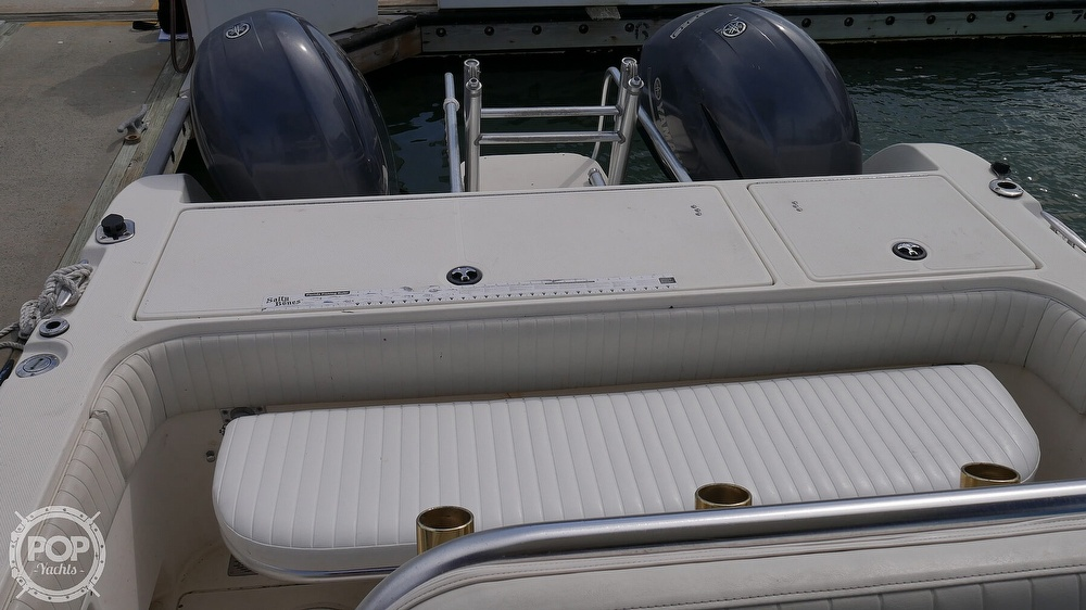 2001 World Cat boat for sale, model of the boat is 266CC & Image # 10 of 40