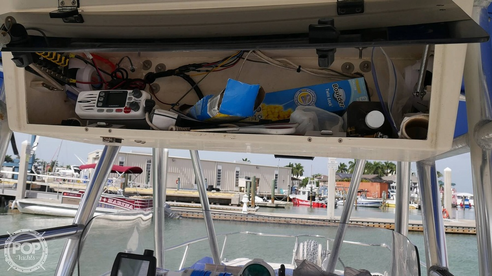 2001 World Cat boat for sale, model of the boat is 266CC & Image # 27 of 40