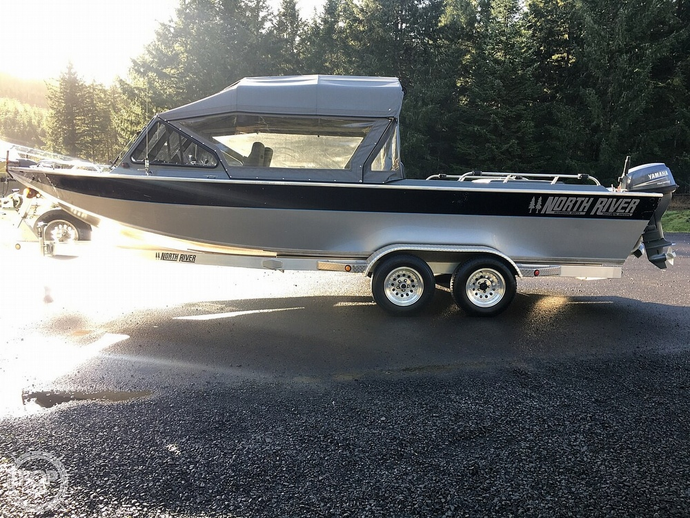 2005 North River boat for sale, model of the boat is Commander 24 & Image # 2 of 40