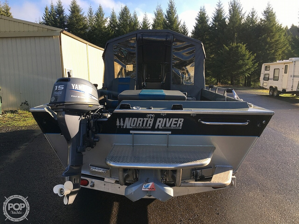 2005 North River boat for sale, model of the boat is Commander 24 & Image # 4 of 40