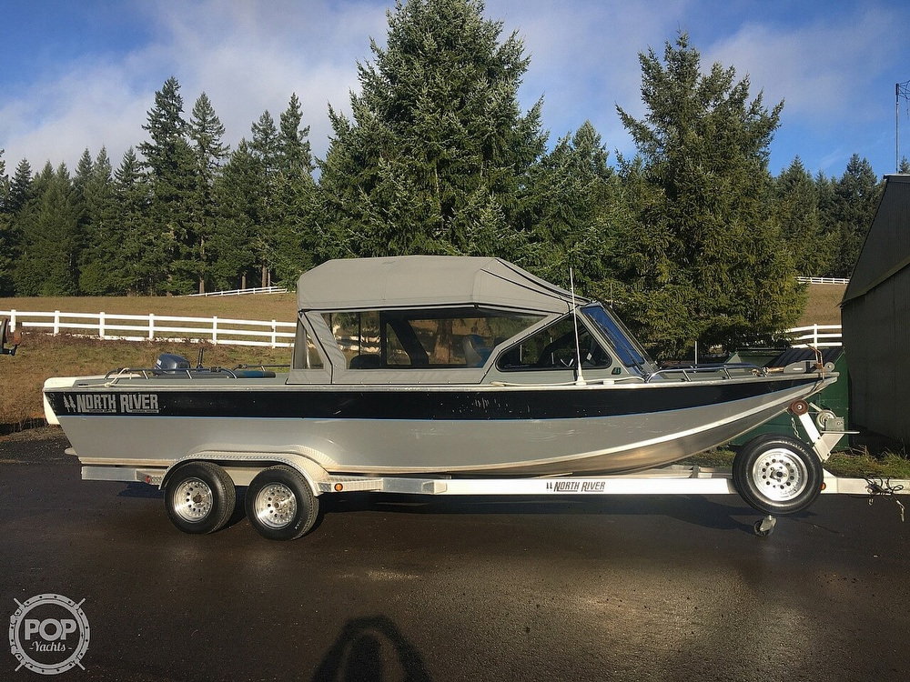 2005 North River boat for sale, model of the boat is Commander 24 & Image # 7 of 40