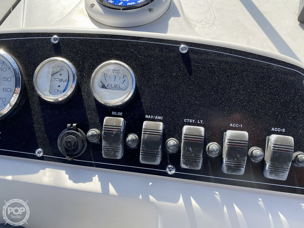 2000 Boston Whaler boat for sale, model of the boat is 18 Dauntless & Image # 37 of 40