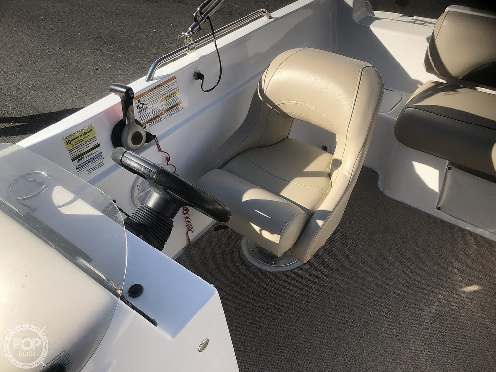 2015 Hurricane boat for sale, model of the boat is 201 Sun Deck Sport & Image # 38 of 41