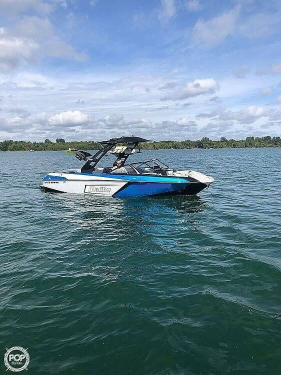 2019 Malibu boat for sale, model of the boat is Wakesetter 23 LSV & Image # 4 of 6