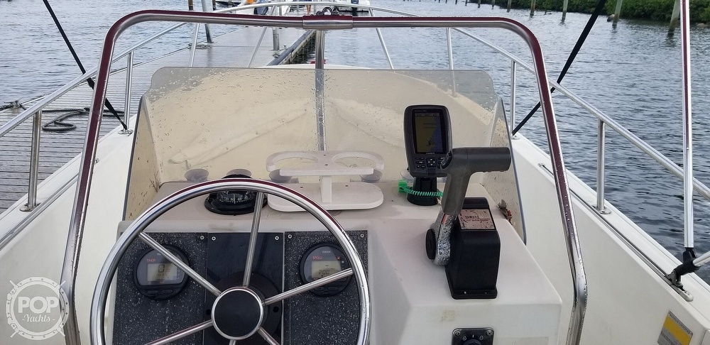 1989 Boston Whaler boat for sale, model of the boat is 22 Outrage & Image # 22 of 40