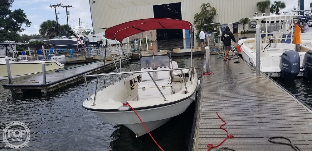 1989 Boston Whaler boat for sale, model of the boat is 22 Outrage & Image # 2 of 40