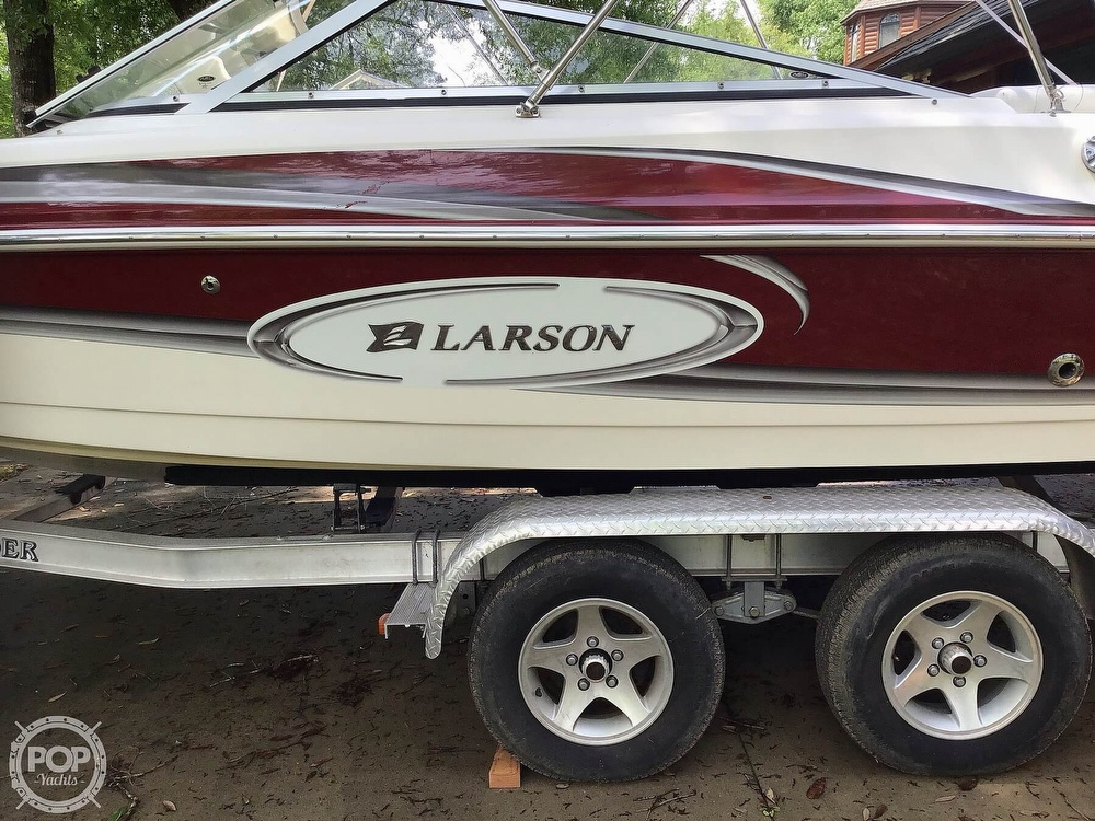 2009 Larson boat for sale, model of the boat is 204 Escape & Image # 33 of 40