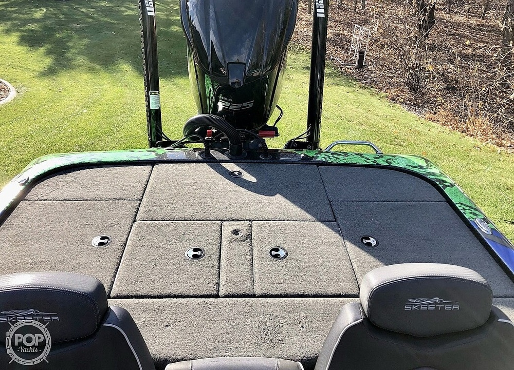 2018 Skeeter boat for sale, model of the boat is ZX225 & Image # 11 of 12