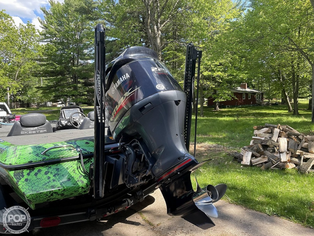 2018 Skeeter boat for sale, model of the boat is ZX225 & Image # 12 of 40