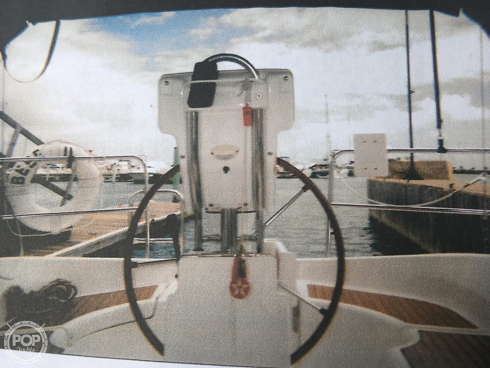2005 Beneteau boat for sale, model of the boat is 323 & Image # 3 of 17