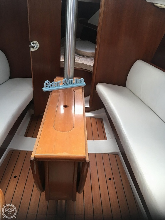 2005 Beneteau boat for sale, model of the boat is 323 & Image # 5 of 17
