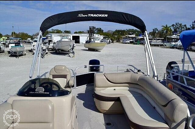 2016 Sun Tracker boat for sale, model of the boat is 22DLX & Image # 4 of 41