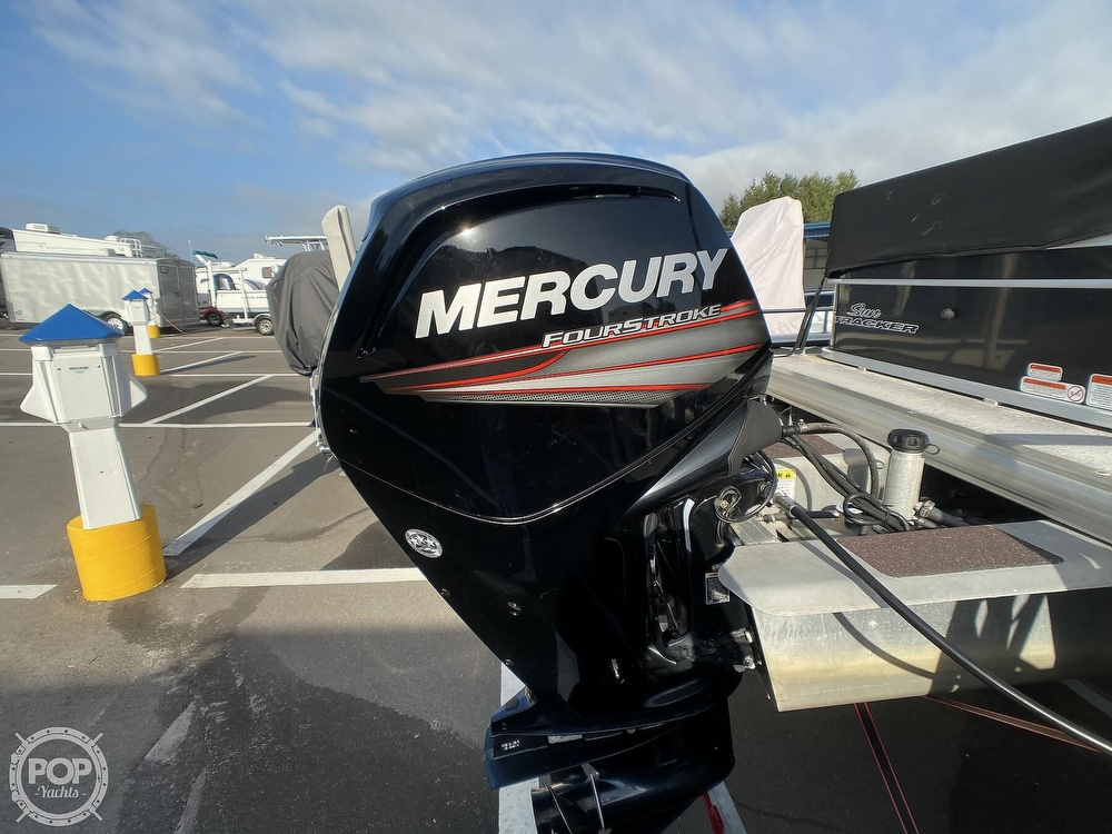 2016 Sun Tracker boat for sale, model of the boat is 22DLX & Image # 8 of 41