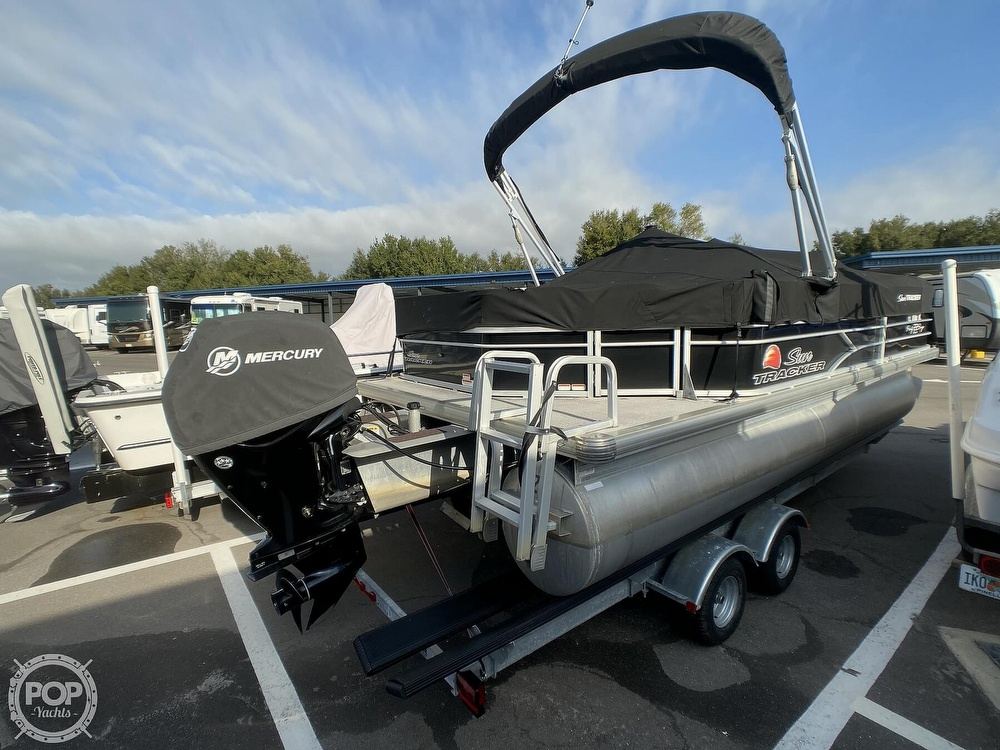 2016 Sun Tracker boat for sale, model of the boat is 22DLX & Image # 9 of 41