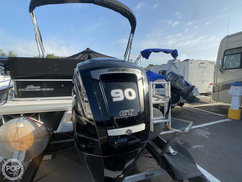 2016 Sun Tracker boat for sale, model of the boat is 22DLX & Image # 10 of 41