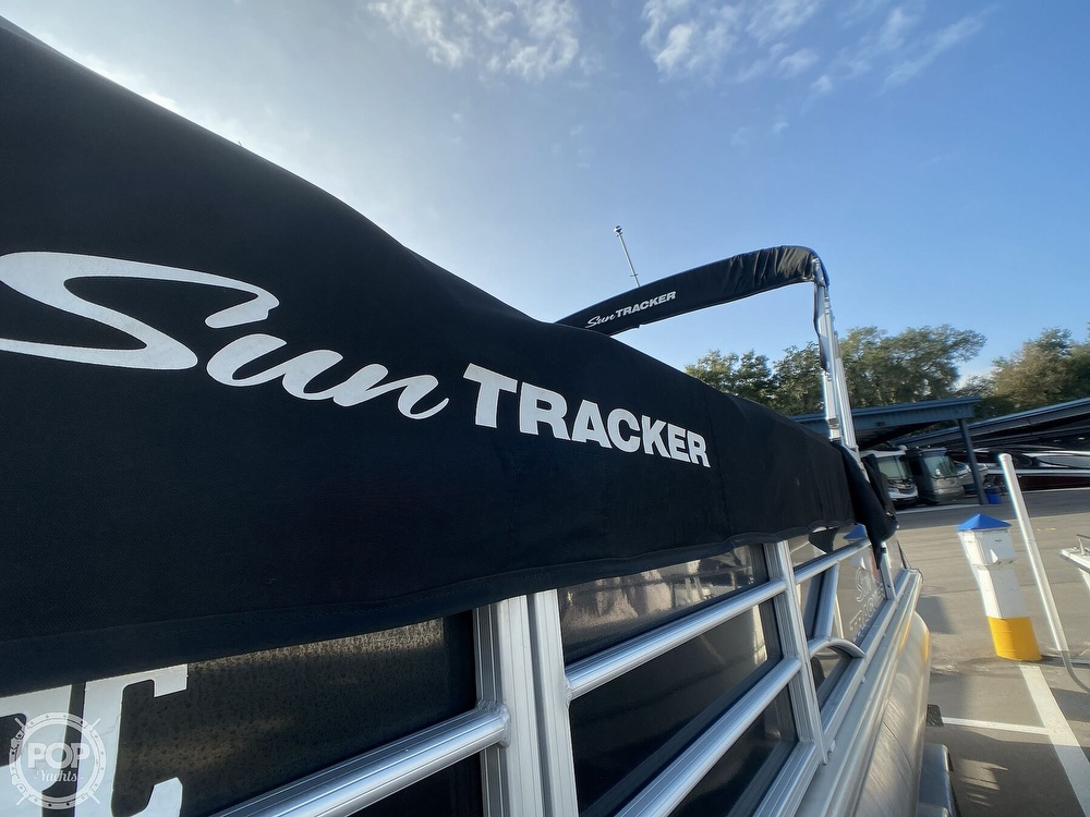 2016 Sun Tracker boat for sale, model of the boat is 22DLX & Image # 14 of 41