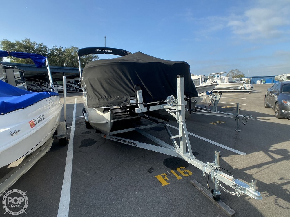 2016 Sun Tracker boat for sale, model of the boat is 22DLX & Image # 16 of 41