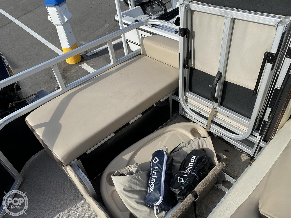 2016 Sun Tracker boat for sale, model of the boat is 22DLX & Image # 22 of 41