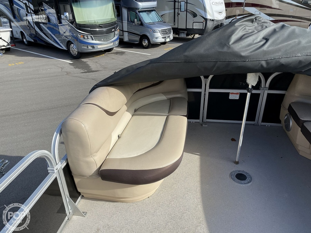 2016 Sun Tracker boat for sale, model of the boat is 22DLX & Image # 34 of 41