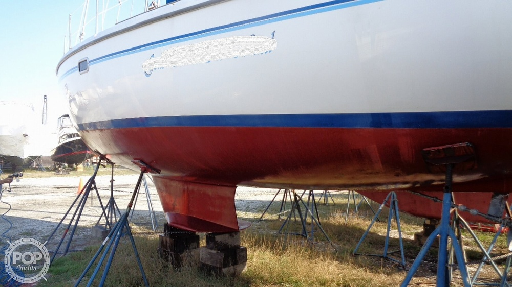 1996 Catalina Yachts boat for sale, model of the boat is 36WK MKII & Image # 38 of 40