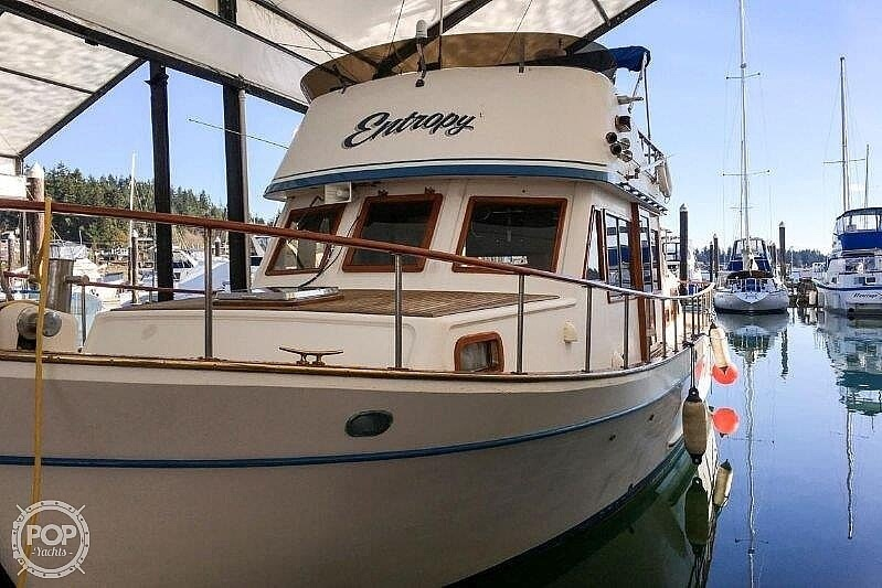 1981 Marine Trader boat for sale, model of the boat is LaBelle 40 & Image # 3 of 40