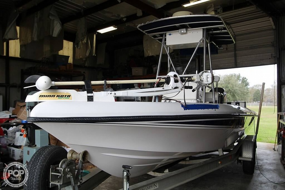 2004 Champion boat for sale, model of the boat is 24 Bay Champ & Image # 10 of 40
